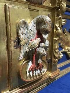 Pelícano, imagen empleada para hablar de Jesucristo y su entrega por nosotros al darnos a comer de su cuerpo y beber de su sangre
